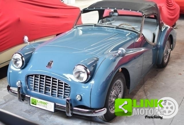 TRIUMPH TR3 SMALL MOUTH RESTAURO TOTALE - 1956