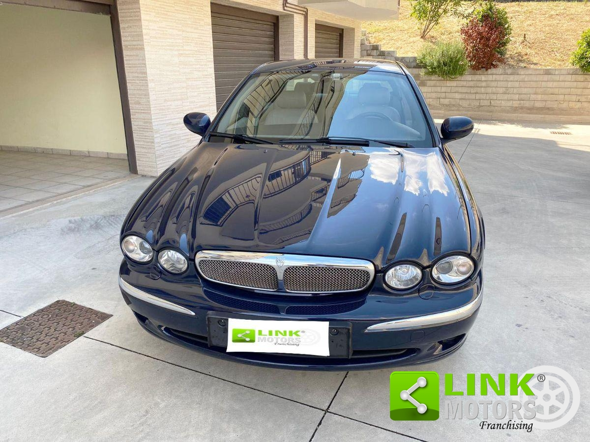JAGUAR - X-TYPE - 2.5 V6 24V EXECUTIVE
