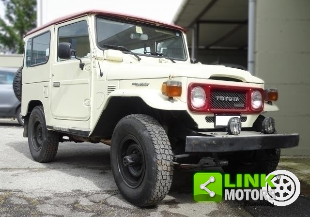 TOYOTA LAND CRUISER BJ42