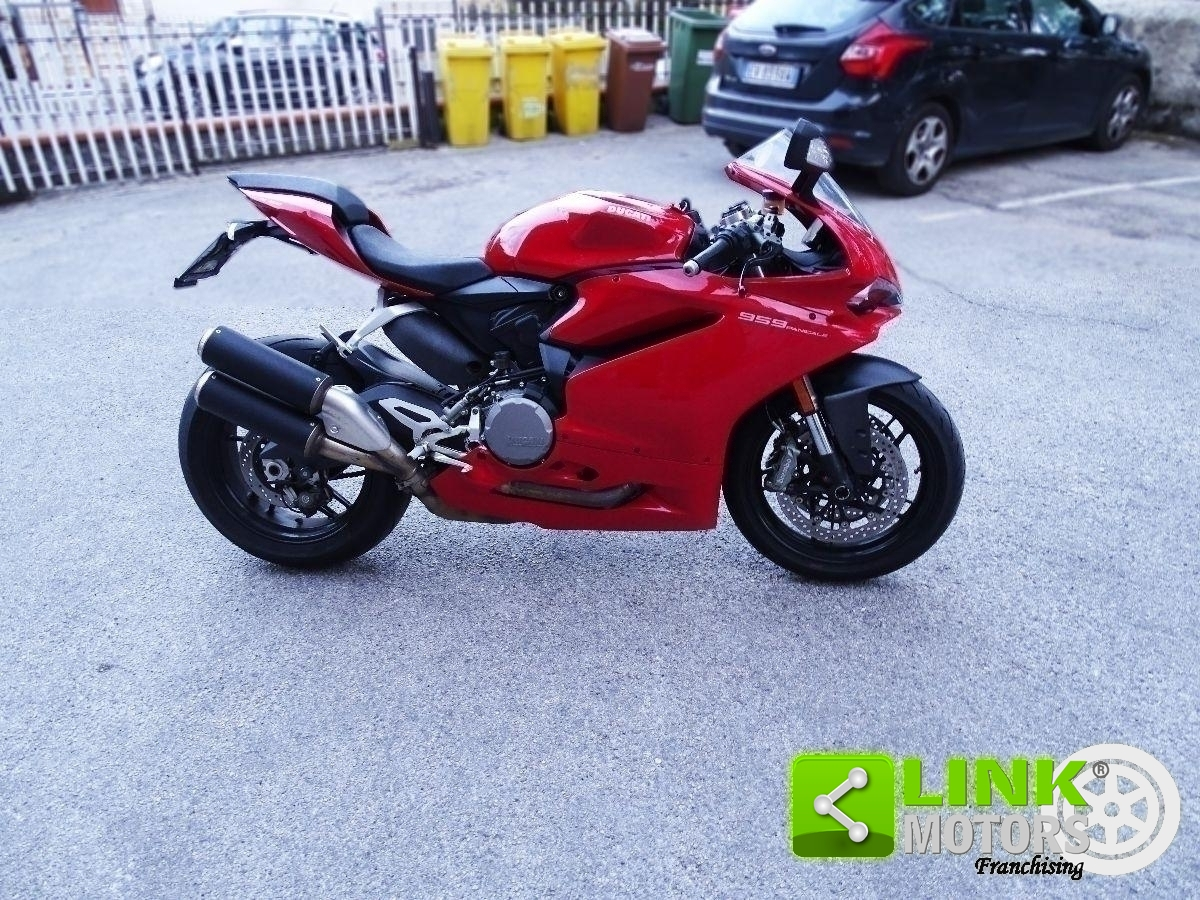 DUCATI 959 PANIGALE RED
