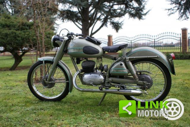 MOTO PARILLA 150 2 TEMPI 4 MARCE ( 1953 ) IN PERFETTE CONDIZIONI