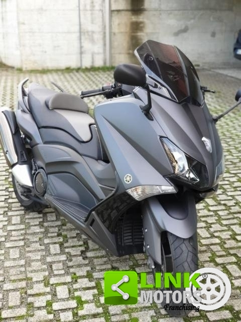 YAMAHA TMAX XP 530